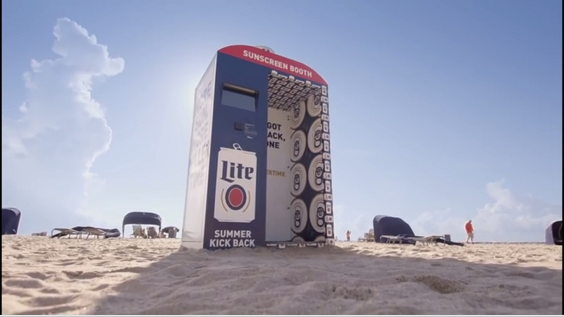 Kreatywne reklamy Miller Lite na plaży lepsze, niż kukurydza i orzeszki prażone, tanio….