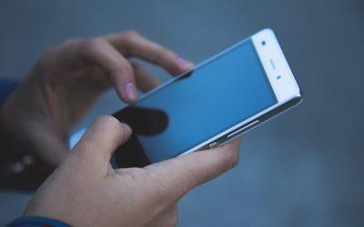 Jak odbierać na smartfonie powiadomienia ze stron na facebooku?
